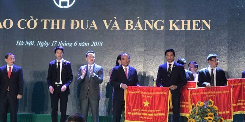 Văn Phú - Invest nhận bằng khen từ thủ tướng chính phủ